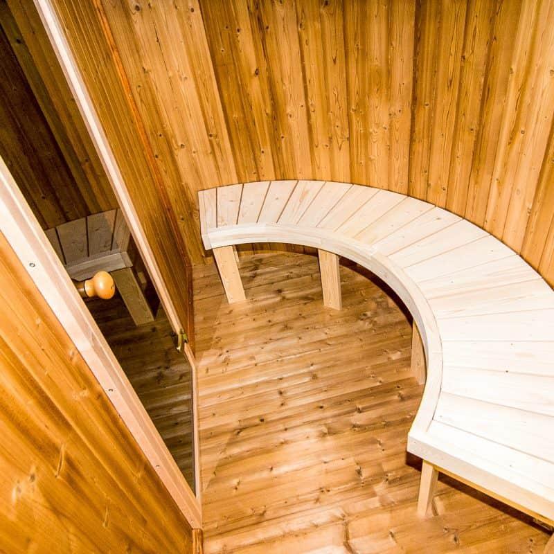 Interiör oval bastustuga